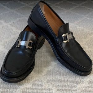 salvatore ferragamo men's black loafers